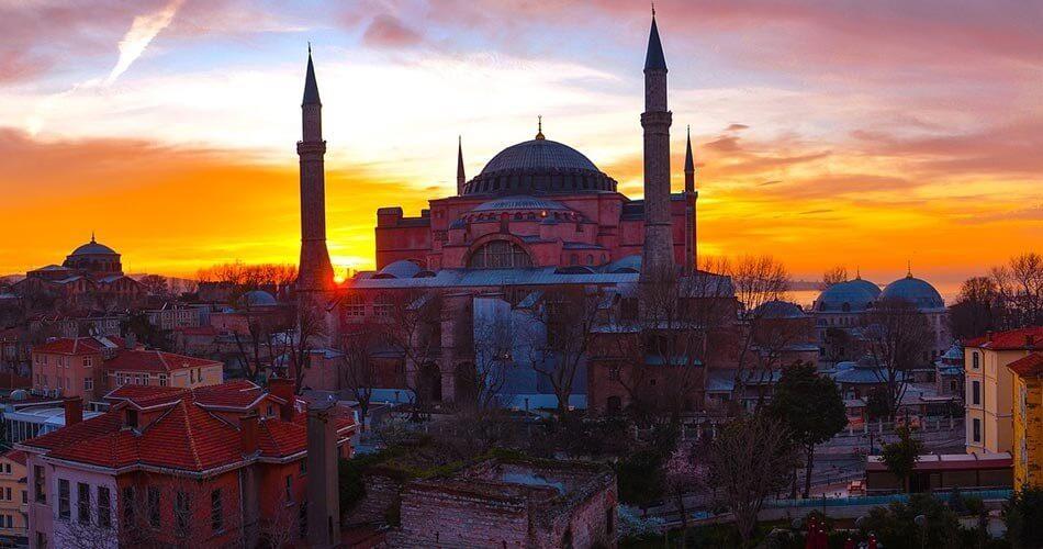 TURKISH AIRPORTS FOR TRAVELERS: ISTANBUL, IZMIR, ANTALYA